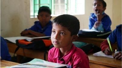 প্রাথমিক স্কুলের শিক্ষার্থীকে যেভাবে ইউনিফর্মের টাকা দেয়া হবে