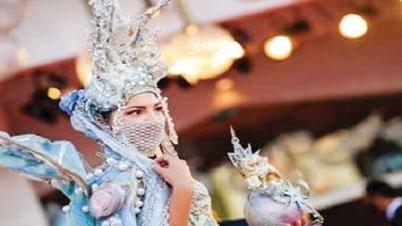 ভেনিস ফিল্ম ফেস্টিভ্যালে মাস্ক উৎসব!